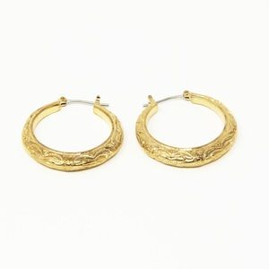 Hoop earrings gold tone